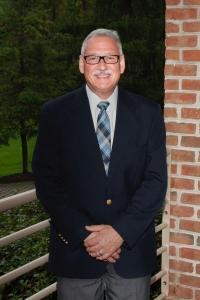 Dr Ed Hilton